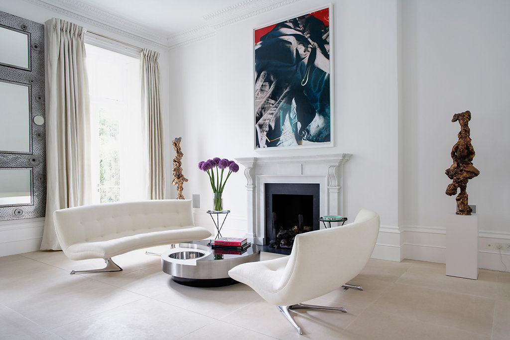 London House - Arch: Thomas Croft, Design: Francis Sultana - Sculpture: Rebecca Warren,  Art: Wolfgang Tillmans, Sofas: Vladimir Kagan, Coffee Table: Willy Rizzo. Courtesy US AD